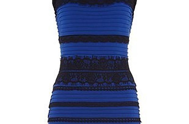 「這洋裝到底是黑藍還是白金的?」 事主超無奈:聽說情侶吵到分手...