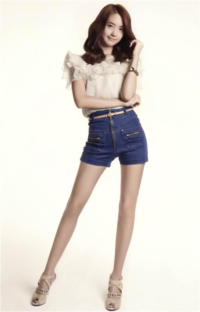 潤娥照片裡腿都超美 但網友一看到「未修圖」腿原貌都崩潰了