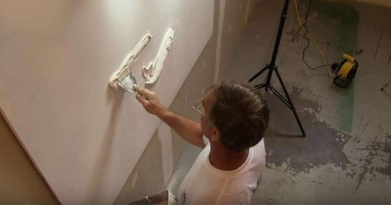 藝術家看不下去白牆空空一片 神來幾筆「抹出超美精緻藝術品」