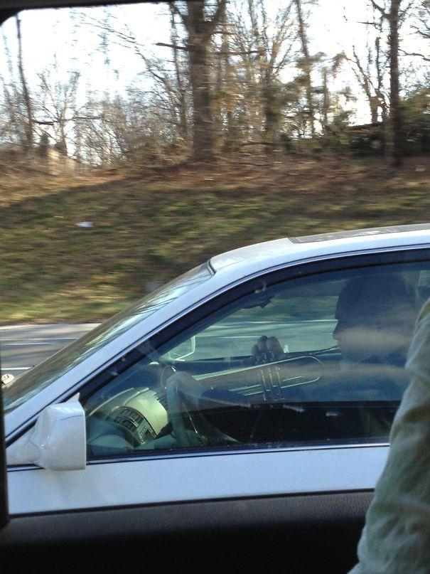 三寶沒有最狂,只有更狂!25個「看到請遠離」的超危險駕駛