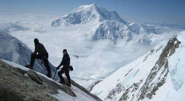 聖母峰上「死.神海拔」登山客最暗黑挑戰 沿途「挑戰失敗者」的浪漫死法太衝擊眼睛!
