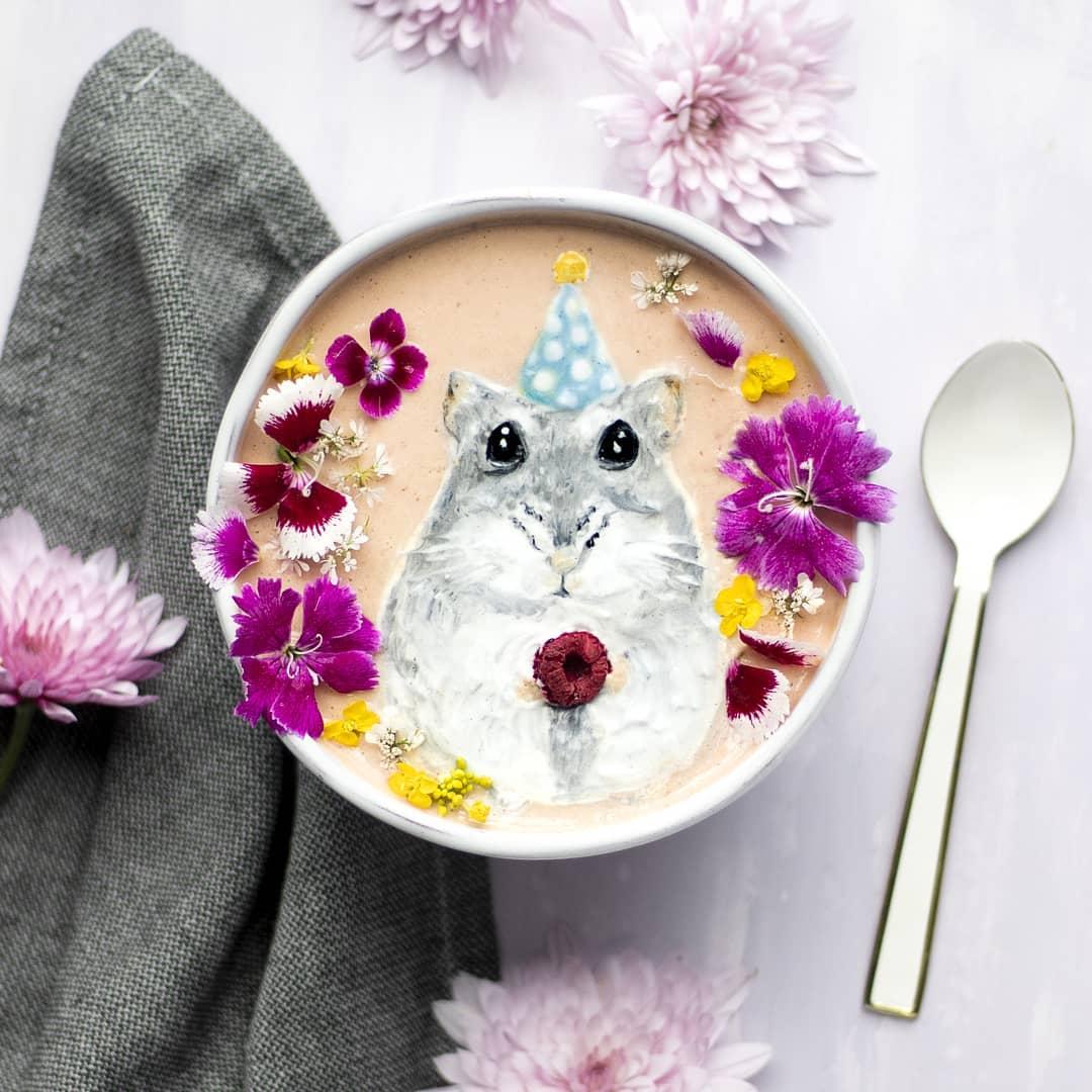 20張「比咖啡拉花浮誇千倍」的奶昔拉花照 神力女超人也能喝下肚!