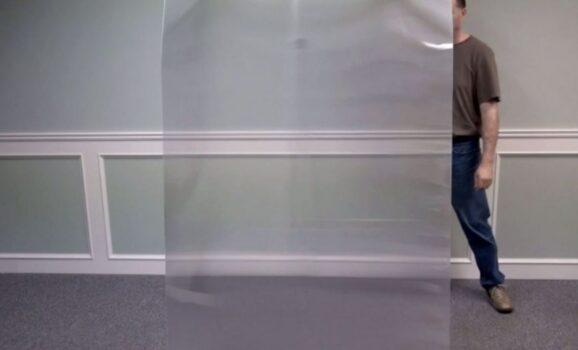 真的有隱形斗篷?全新科技「量子隱形」上市 材質「跟紙一樣薄」蓋住就憑空消失!