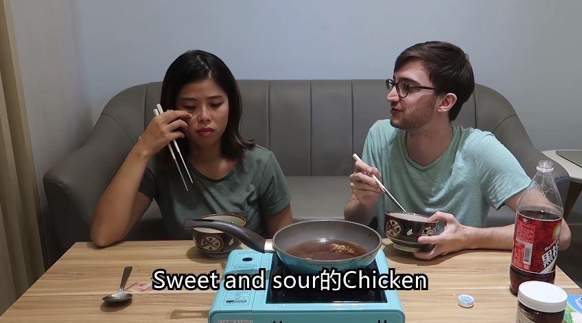 法國人吃泡麵「方式超獵奇」!加紅白酒只是基本...「超恐怖湯底」卻意外超好吃