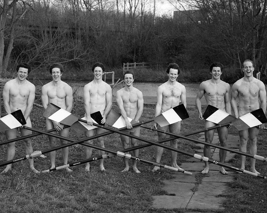 英國「猛男划船隊」推出超害羞月曆 小鮮肉「全空入鏡」網友暴動:太刺激了!