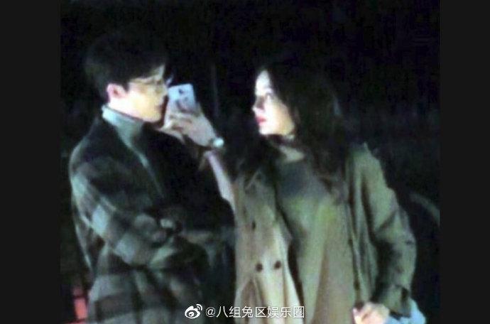 迪麗熱巴在街頭「捧頰熱吻」照片被曝光 粉絲超心碎:我的女神QQ