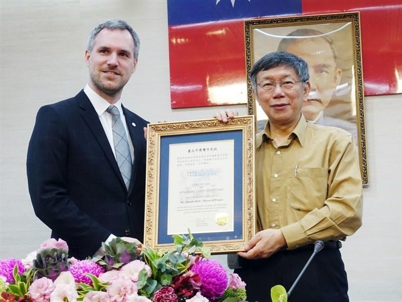 10月狠甩北京!布拉格「公開挺台」收下穿山甲 明年「簽姊妹市」正式合作