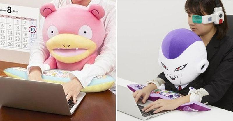 日系品牌推《寶可夢》「呆呆獸工作用抱枕」 還有超貼心靠手枕粉絲尖叫:連上7天班沒問題啦!